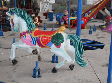 carousel horse with antique appearance for amusement
