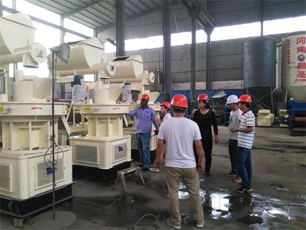 sawdust pellet mill manufacturers